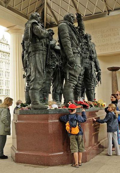 414px-RAF_Bomber_Command_Memorial